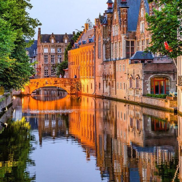How can all those canals and bridges and cobbled streetshellip