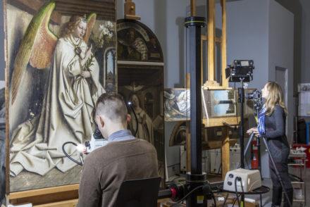 Restaurierung des Genter Altars, im Museum der Schönen Künste.